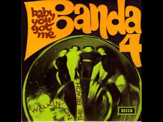 Banda 4 - Walking on the Beach (1968)