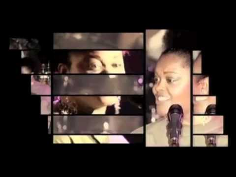 Jill Scott  - He Loves Me (Live in Paris)