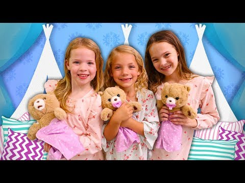 Maya Brings Her Cozy Dozys to a Sleepover Party!