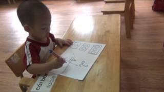 Bé nối con số và số lượng - Minh Triết 26 tháng tuổi