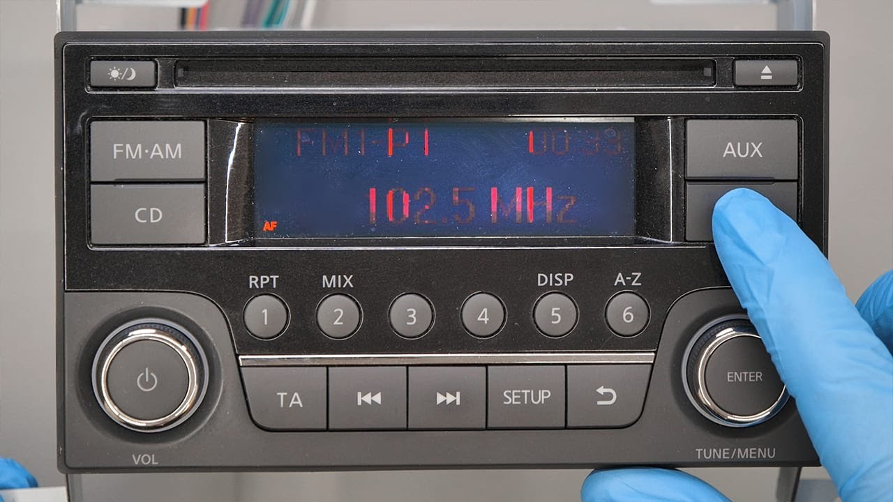 How to replace faulty Nissan car radio display