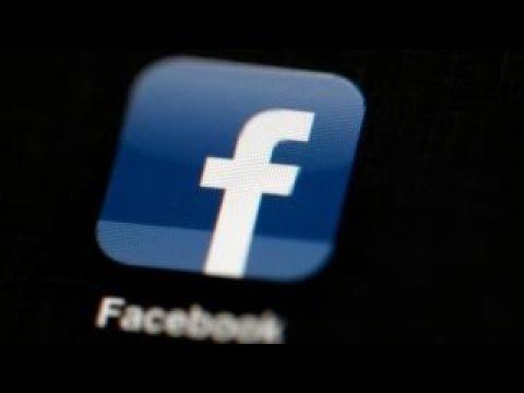 Facebook shares tumble over Cambridge controversy