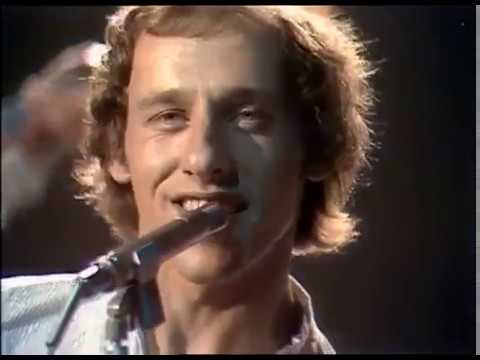 Dire Straits - Sultans Of Swing  (Official Music Video)