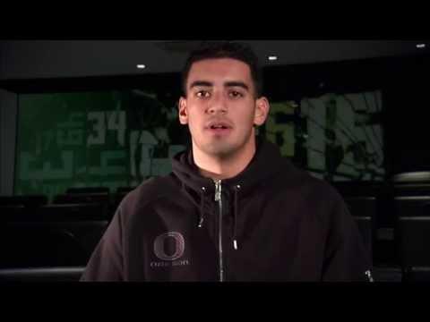 Marcus Mariota wins inaugural Polynesian College Football Player of the Year Award