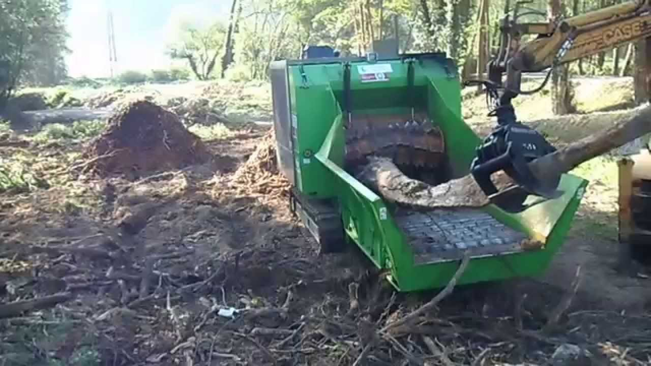 Trituradora de rboles con tocones y madera astilladora - Tocones de madera ...