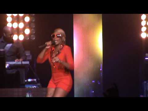 Mary J. Blige - Ain't Nobody / Live Concert in Chicago (Liberation tour)