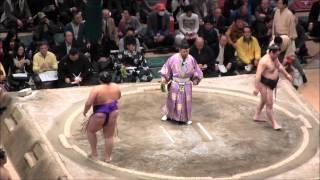 貴ノ岩 vs 里山の取組。2015春場所8日目。現地オリジナル撮影。 Grand S...