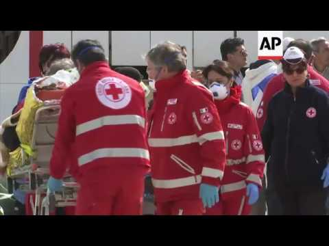 Over 720 migrants brought ashore at Sicily port