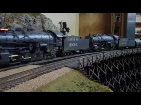 Gary Schrader's O Gauge Southern Pacific ~ Santa Fe Model Train Layout