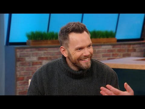 """We Are SPEECHLESS After Hearing Joel McHale's """"Horrific"""" (and HILARIOUS) Story About His 2 Pet Bu…"""