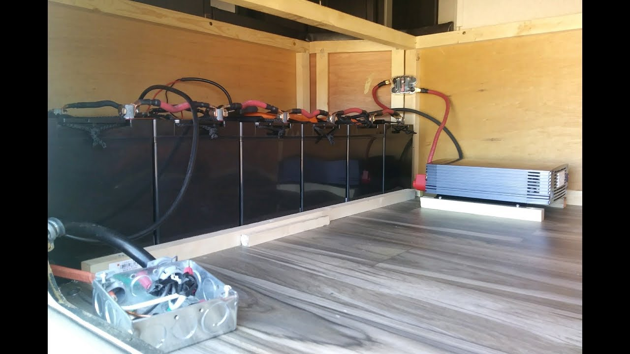 Rv Battery Bank And Solar Panels For Off The Grid Living Tiny House Wiring To
