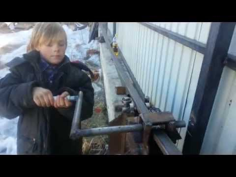 видео: гнем дуги для теплицы[ hd 640x480 mpeg4]