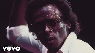 Miles Davis Robert Glasper Everything 39 s Beautiful Mini Documentary.mp3