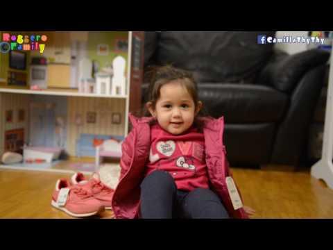 Bà tám nhí LyLy khoe áo & giày Zara Papi em mua cho hai chị em