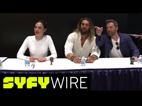 Justice League Cast Signs Autographs | San Diego Comic-Con 2017 | SYFY WIRE