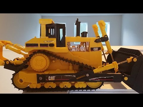 Wired Remote Controlled Caterpillar Bulldozer 1998 From