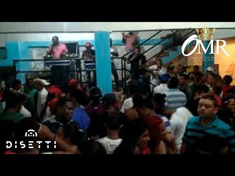 Rey de Rocha en la disco tk Agua Honda (El Profesional Kofee el Kafetero OMR)