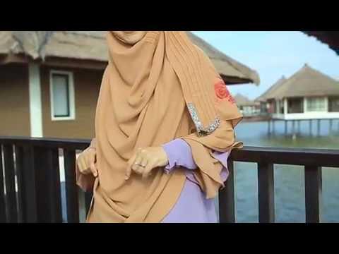 Wanita syurga bidadari dunia  by oki setiana dewi (19maret2017)