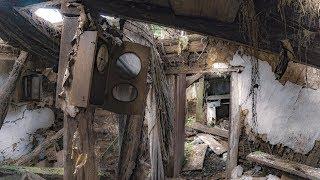 «Застывшее время»: старинное зеркало и тайник для домового в заброшенной деревне
