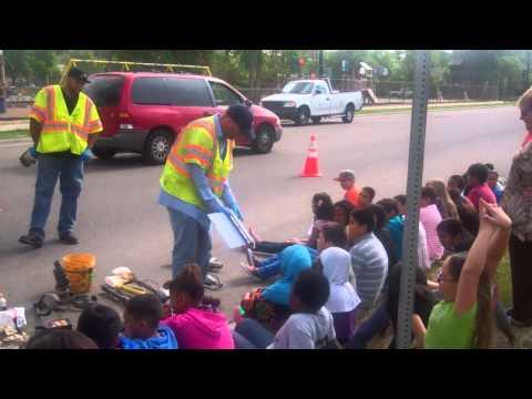 Greenlee Elementary (Denver, CO) - 4th grade students host vac truck demo