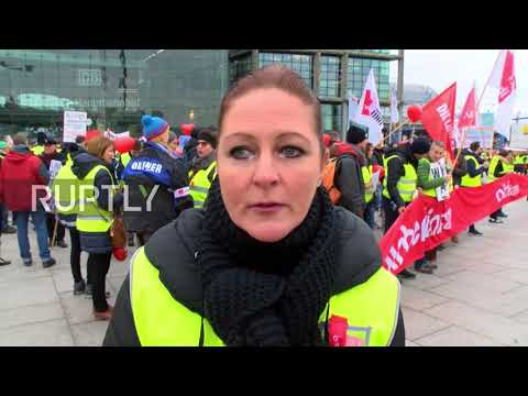 Germany: '€150m Grant And I Don't Have A Job!' - Air Berlin Employees March On Parliament