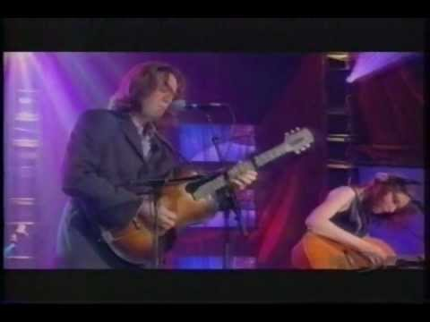 Gillian Welch, David Rawlings - Everything Is Free
