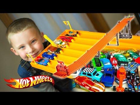Hot Wheels Cars Race Super 6-Lane Raceway Superman Batman Star Wars Kinder Playtime