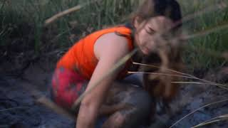 Wow!! Lady Fishing   Beautiful girl fishing   Khmer Net fishing   How to catches Fish part 47
