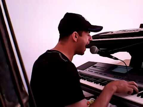 Marcelo e seus teclados cai fora de Robério e seus