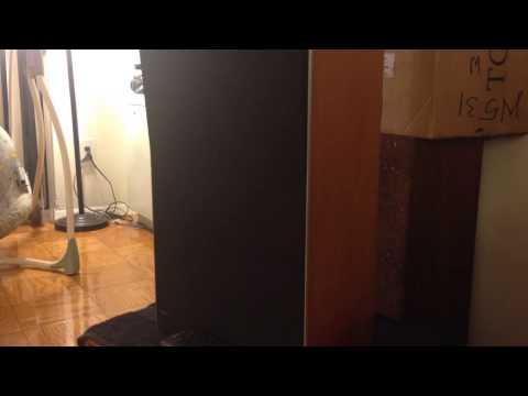 Danish Bang Olufsen stereo system with French music by Gree
