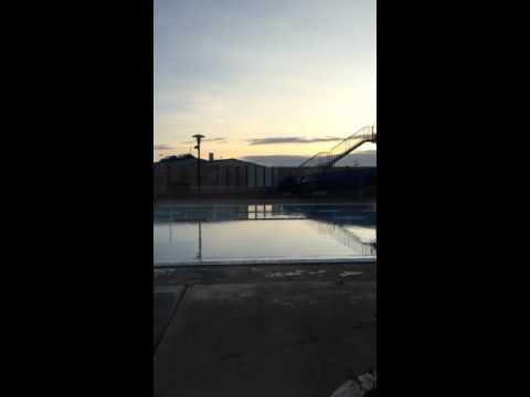 アイスランドの某村のプール冬も絶賛オープン中2016 01 09