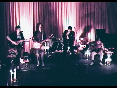 Смотреть клип The Strokes - Star Spangled Banner