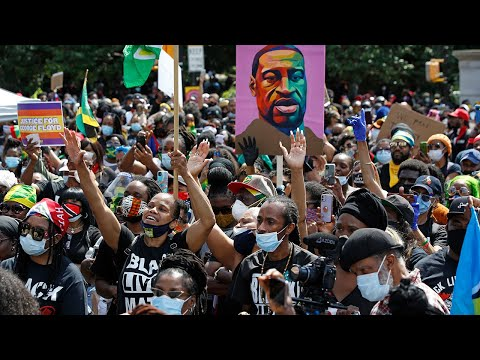 Black Lives Matter protest draws thousands in Brooklyn Thousands upon thousands stood side by side at Grand Army Plaza on Sunday in solidarity for Black Lives Matter. Some brought signs, others painted a portrait ..., From YouTubeVideos