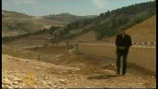From youtube.com: Israeli settlement building threat {MID-302574}