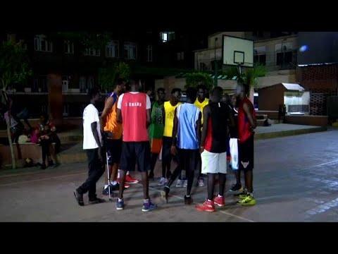 كرة السلة توحد لاجئين من السودان وجنوب السودان في كنيسة بالقاهرة …  - 10:54-2018 / 10 / 15