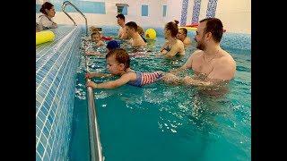 Дети Плавают и Ныряют в Бассейне -Обучение плаванию в Минске (Курсы,Секция,Занятия)