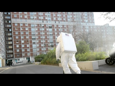 DTF - Cosmonaute [Clip Officiel]