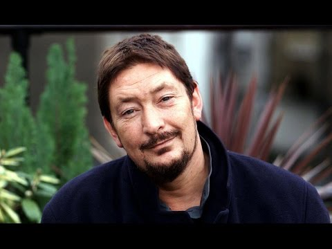 CHRIS REA - NOTHING TO FEAR - LIVE
