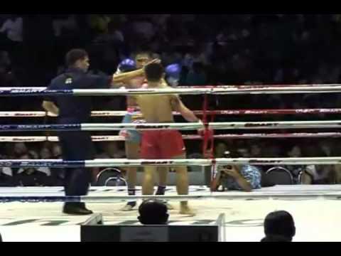 Wanheng Meenayotin vs Phetmorakot Wor.Sungprapai @ Lumpinee 10.5.11