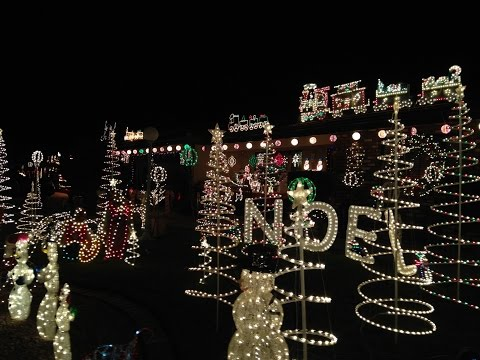 Christmas Lights in Valle Vista  (Hemet, California)   December 2015