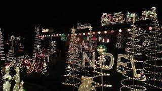 Christmas Lights in Valle Vista  (Hemet, California)   December 2015