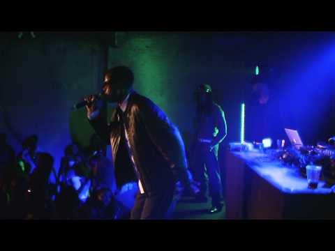 Wayne Wonder Performing Bounce Along and No Letting Go Live