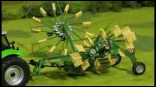 MOMAmini SIKU Radio control Rastrillo hilerador Krone