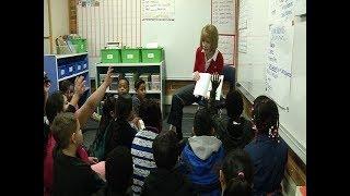 Senator Tina Smith visits Northport Elementary