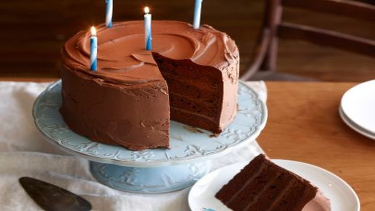 Images Of Big Chocolate Cake : Big Chocolate Birthday Cake - YouTube