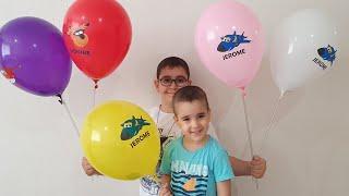 Buğra Harika Kanatlar Balonları Patlattı Berat Oyuncak Arabaları Topladı