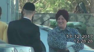 Baixar Footage of Melbourne principal fighting extradition in Israel shows 'healthy' person