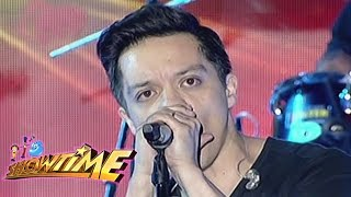 Bamboo performs 'Noypi' on It's Showtime