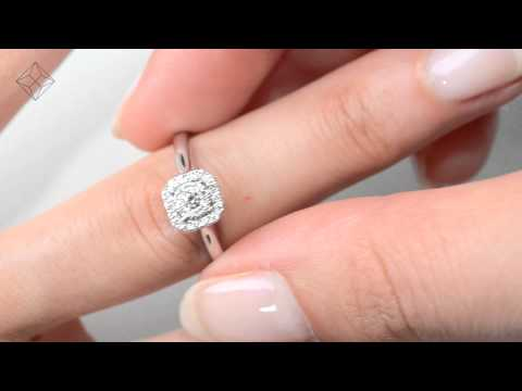FT65 - Stunning 0.25ct Diamond and 18K White Gold Cluster Ring