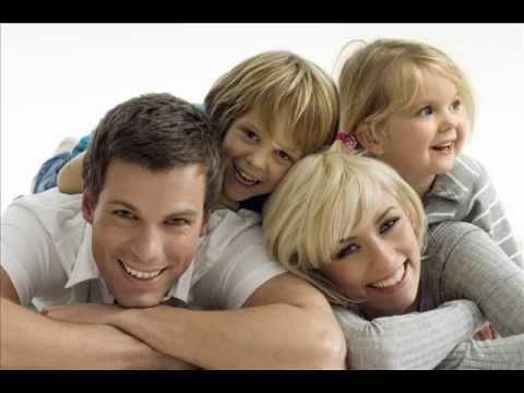 Resultado de imagem para pais e filhos abraçados
